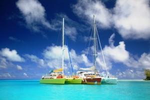 Polynesie Gambier Puamau BAnana Split et le catamaran Mowgli bord à bord